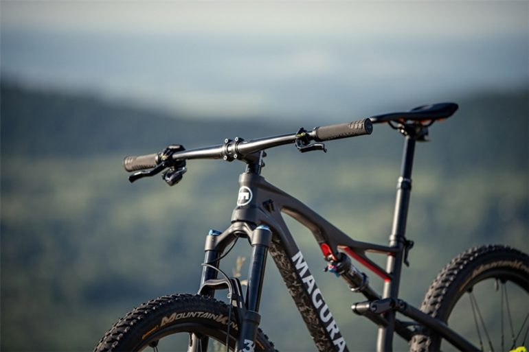 Bike mit Magura MCI Cockpit