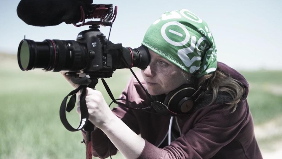 Filmemacherin Susanne Bohlmann beim Filmen