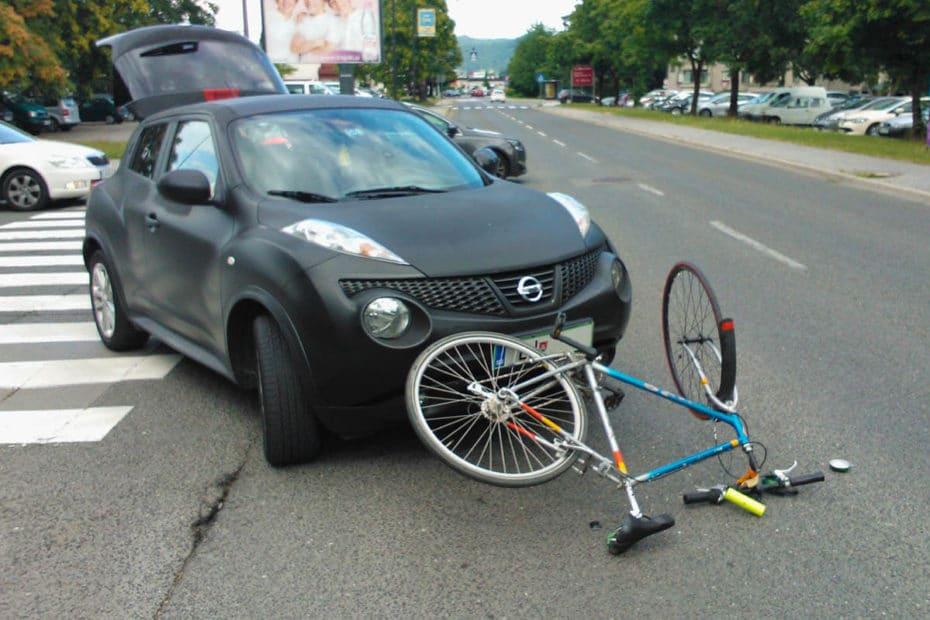 Unfall von einem Auto mit einem Fahrrad